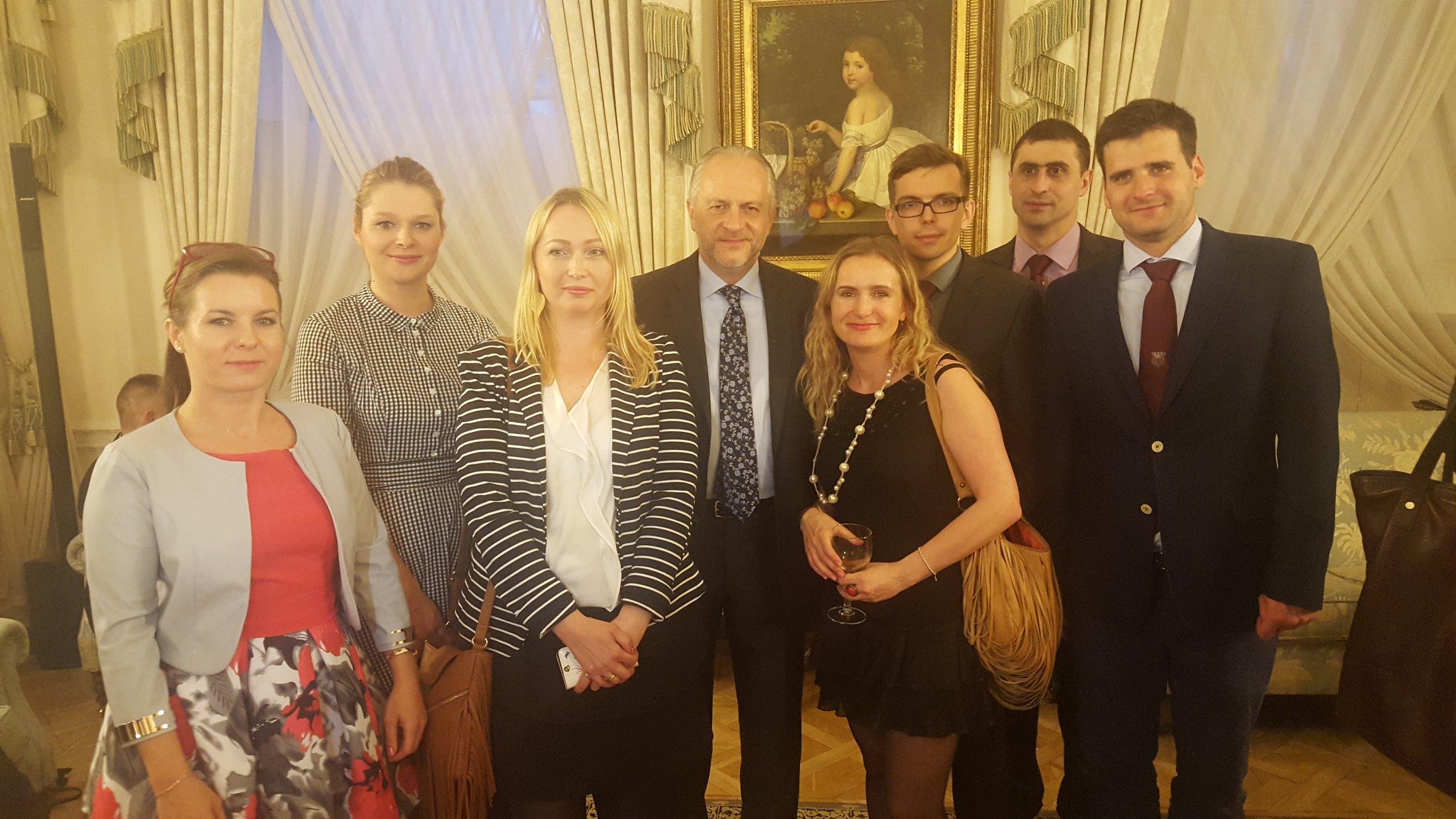 Nz. od lewej: Ewelina Wachnicka, Małgorzata Kmiecicka, Agnieszka Kępka, JE Witold Sobków, Anna Pawełek, Marian Zastawny, Paweł Kisiel, Kacper Więckowski.