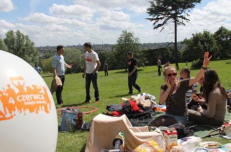 """Piknik 2014 w 2014 roku został połączony z projektem """"Świętujmy razem 25-lecie wolnej Polski"""", wydarzenie miało więc szczególną rangę."""